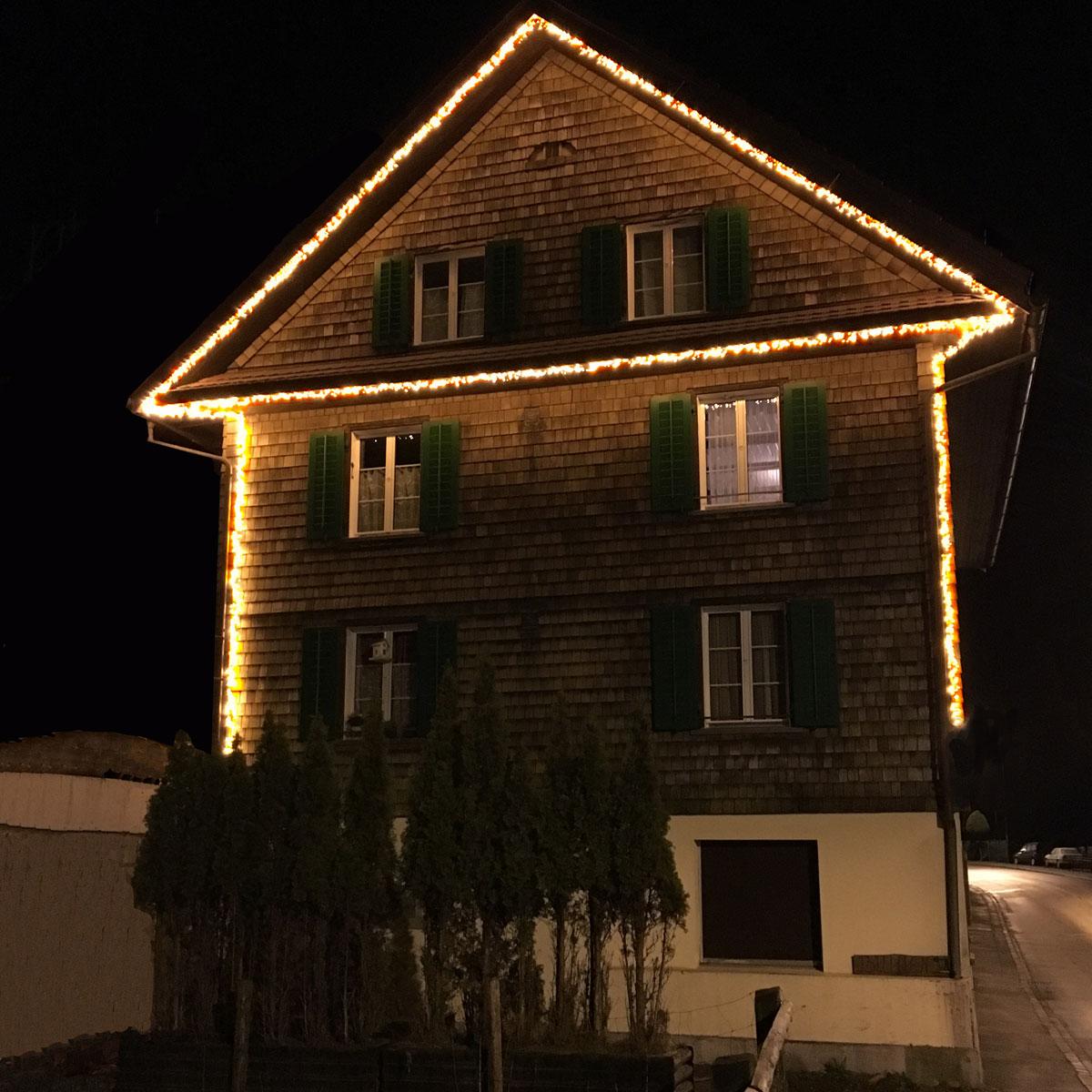Statt Lichtschläuche Büschellichterketten verwenden