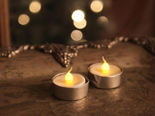 T-Licht LED, Teelicht weiss, 2 Kerzen mit Batterien