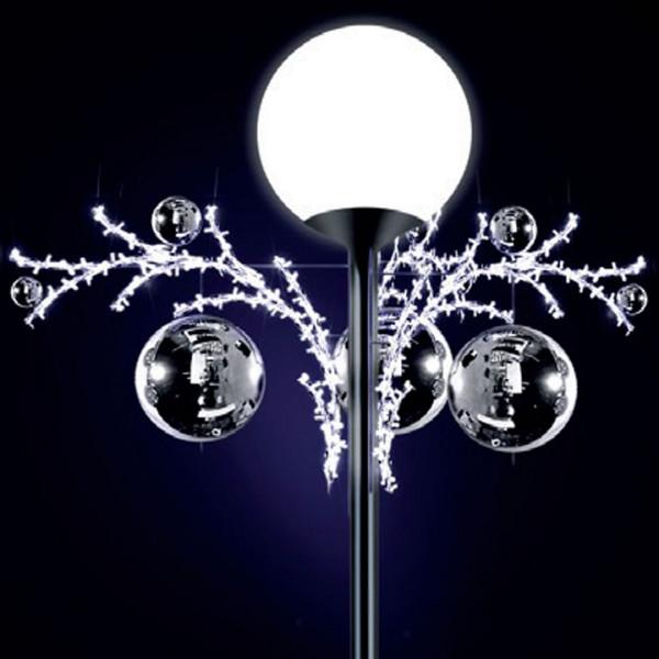 Lichtkugeln Lily 70, H70, B170, L170cm, kaltweiss, 3D, drei Elemente, Kugel silber, Pfostenmontage