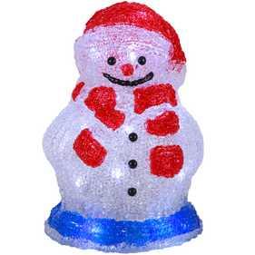Mit Figuren dekorieren und winterliche Stimmung schaffen