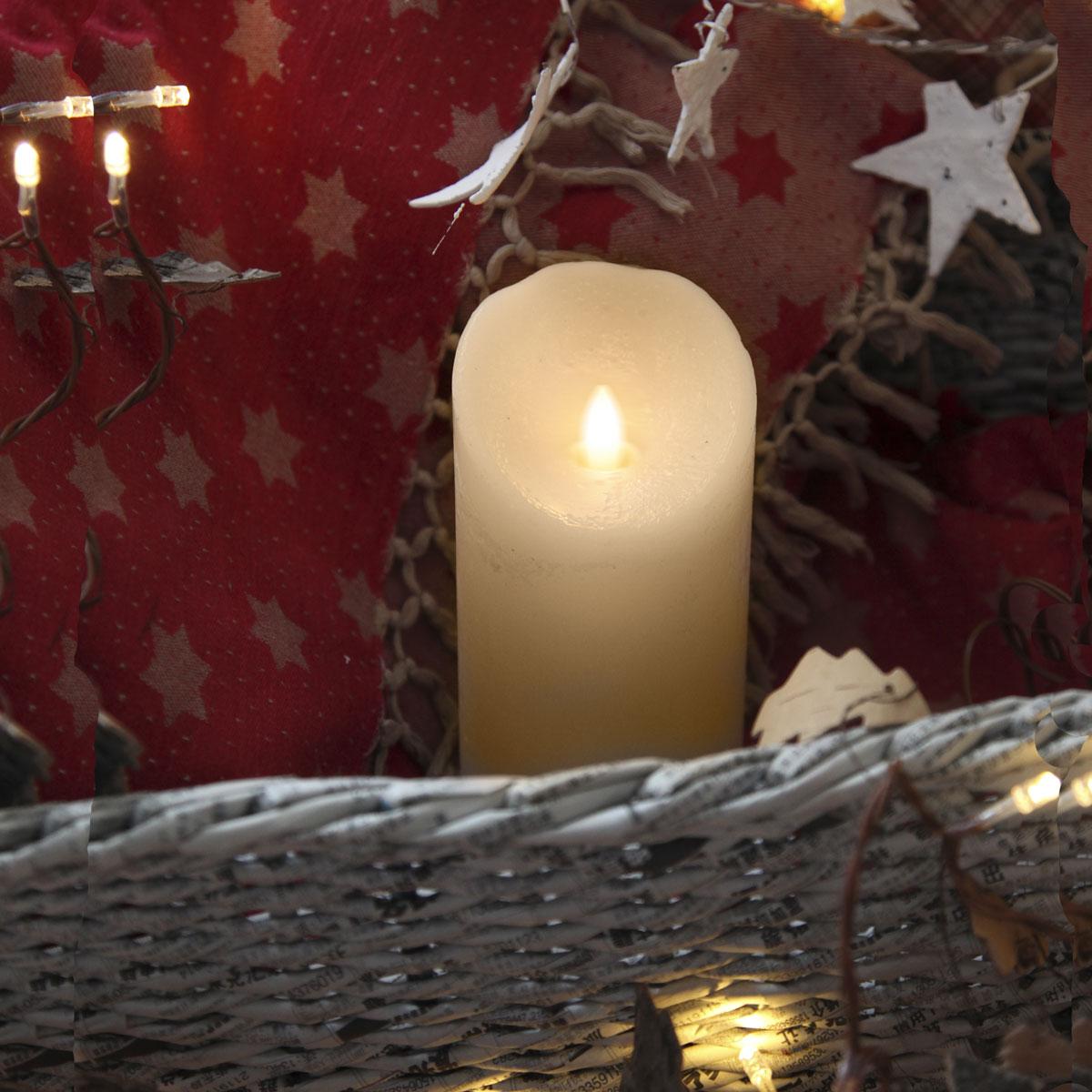 Twinkle-Star Kerzen haben auch im Schaft Licht