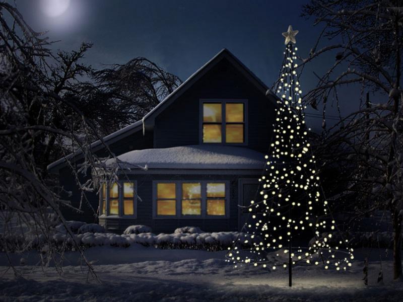 Lichterkettenbaum vom Fahnenmast zur Wintertanne