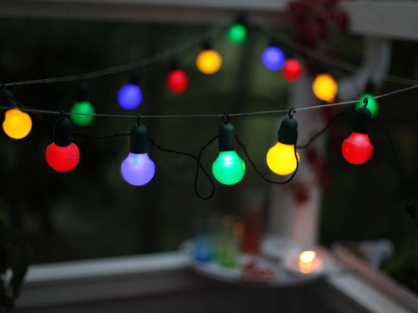 Partylichterkette LED, bunte Partybällen 20-teilig, Montagehaken, Kabel