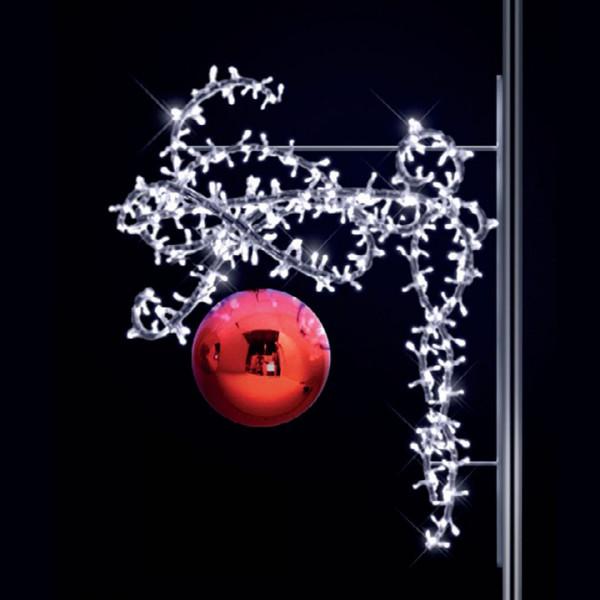 Weihnachtskugel Aimee 100, H100, B80, L30cm, kaltweiss, 3D, Kugel rot, Kandelaberbeleuchtung