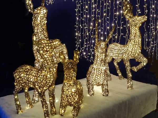 Rentiere 5 Tiere, Quintologie 1392 warmweisse LED Twinkle Schmuckfiguren