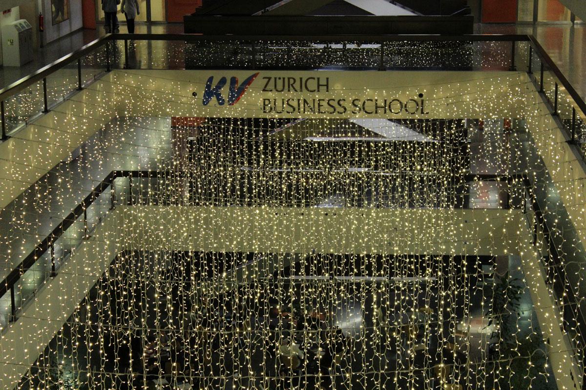 Top Weihnachtsbeleuchtung für KV Zürich
